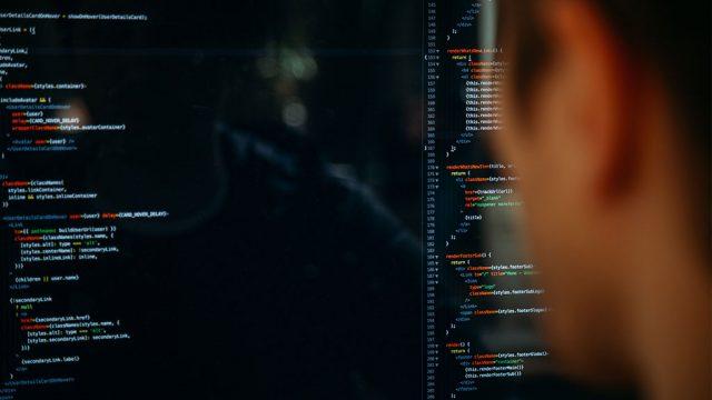 códigos em tela