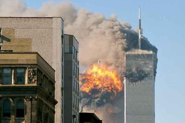 Atentado terrorista às Torres Gêmeas (EUA) em 11 de setembro de 2001