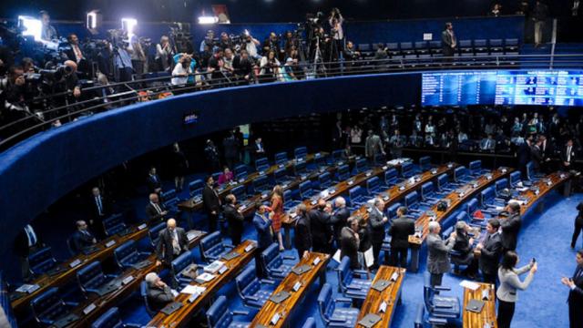 Webinário internacional discute regimes parlamentares e sistemas jurídicos ao redor do mundo. Na foto, o plenário do Senado do Brasil.